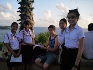 Et le charme ne tarde pas à agir avec ces lycéennes thai en quête de réponses à leur TP scolaire
